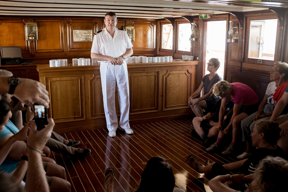 Le capitaine brieffe les stagiaires © Benjamin Decoin