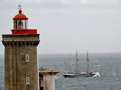 Très jolie photo du Belem à Brest